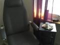 Ett av våra behandlingsrum och stolar som vi använder.